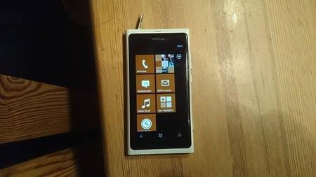 Phu kien iPhone - Ngâm nước 3 tháng vẫn có thể hoạt động bình thường chỉ có Lumia 800