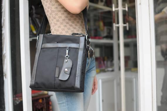 Túi xách da đựng iPad Salvatore Ferragamo - Kiểu 1 1