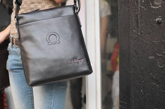 Túi xách da đựng iPad Salvatore Ferragamo - Kiểu 2 1