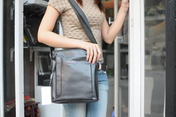Túi xách da đựng iPad Salvatore Ferragamo - Kiểu 3 1