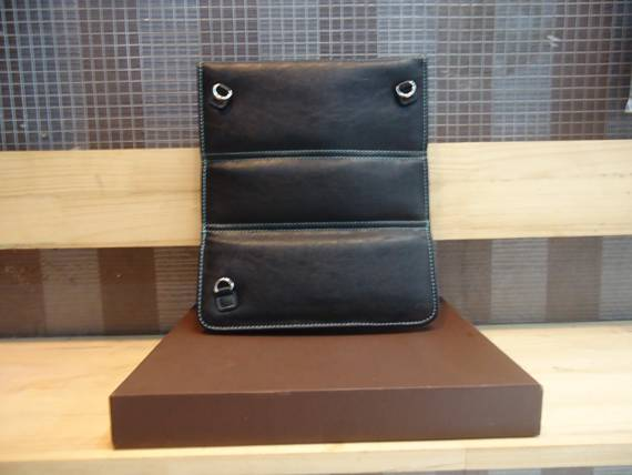 Túi đựng iPad Giorgio Armani 1