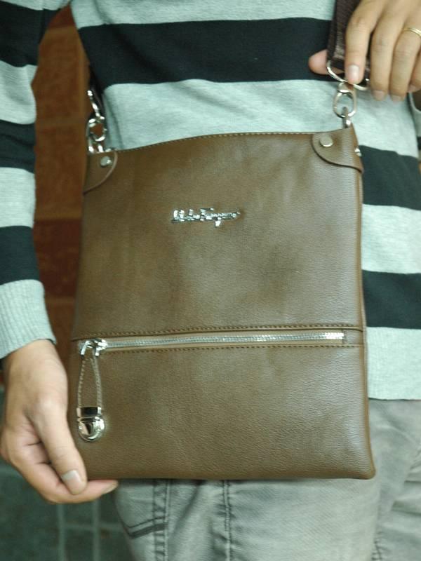 Túi xách da đựng iPad Salvatore Ferragamo - Kiểu 8 1
